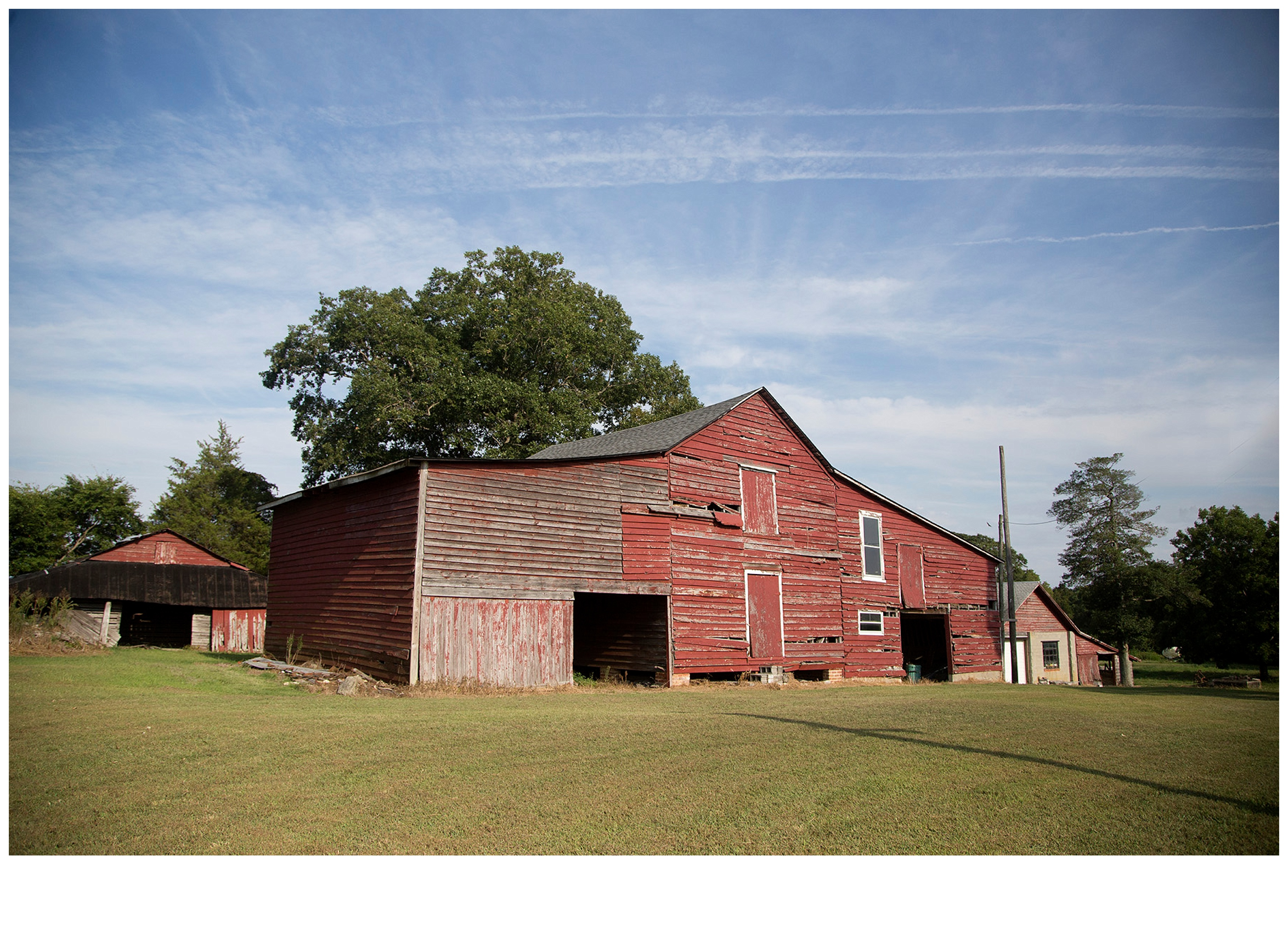 Old farm house with red barns for Red barn houses